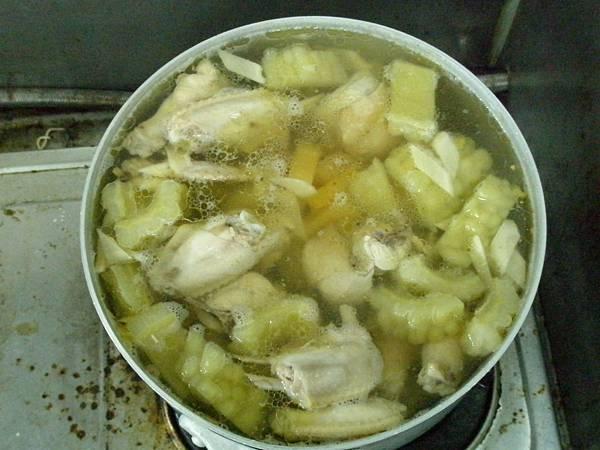 鳳梨苦瓜雞湯3.