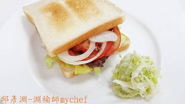 邱彥淵-淵褕師mychef.301D薄片牛排三明治附高麗菜沙拉