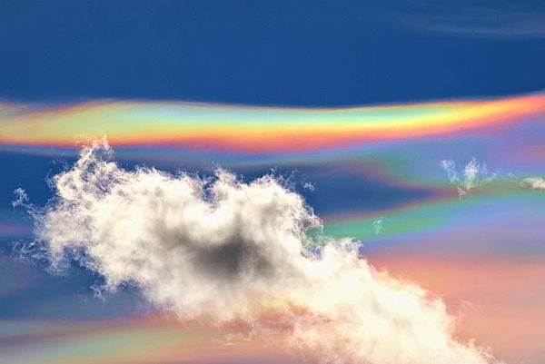 德國和瑞士的天空在上週末也出現了非常美麗的雲彩1.jpg