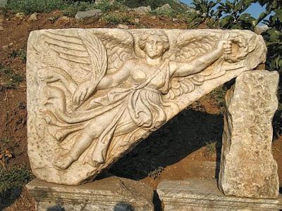 艾歐娜在亞特蘭提斯時代到地球傳授女神奧秘.jpg