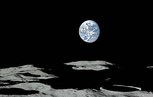 從月亮看地球.jpg