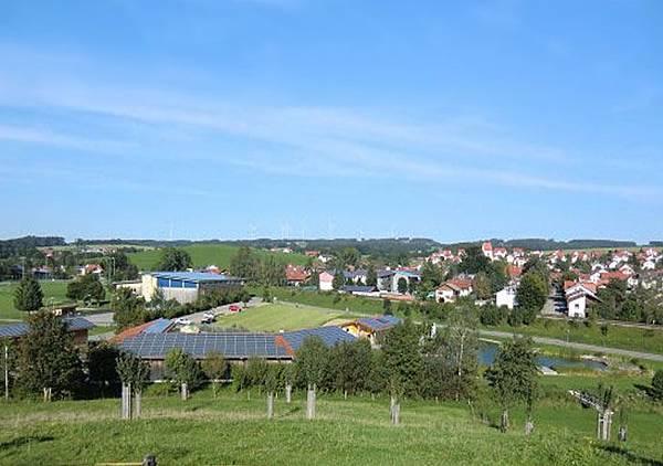 僅有2600人的德國小鎮Wildpoldsried 已經成功開創出城鎮專屬的再生能源系統1.jpg