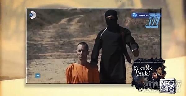 土耳其《恶狼谷》(Kurtlar Vadisi)电视剧的一个预告片展示了几乎完全相同的一幕,如我们在所谓的ISIS斩首视频中看到的.jpg