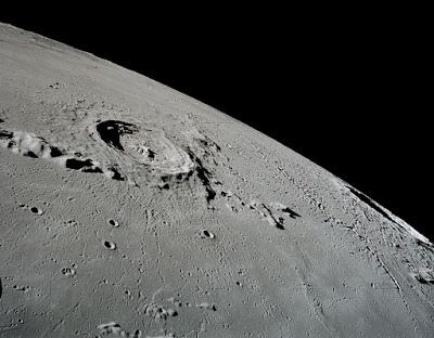 歐洲太空總署的新任總監正在認真規劃一座對觀光客開放的月球基地.jpg