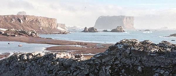 我們的美國日本聯合團隊已經成功地將一顆如意寶珠放置到南極了.jpg