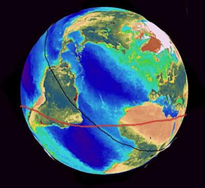 圖中穿過南美洲和非洲的紅線就是亞特蘭提斯時代的赤道.jpg