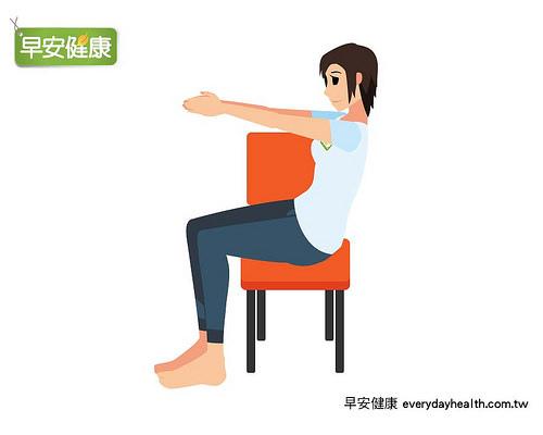 椅子操-背部彎曲.jpg