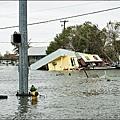 颶風哈維為德州東南部墨西哥灣沿岸帶來嚴重災情,圖為洛克波特淹大水.jpg