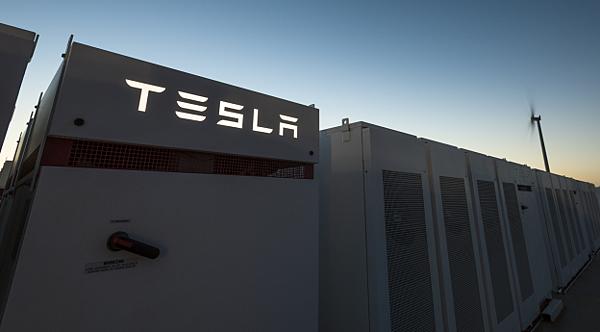 Tesla展開全球最大PowerPack儲能計畫1.jpg