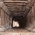奇琴伊察的庫庫爾坎金字塔內的一條隧道.jpg