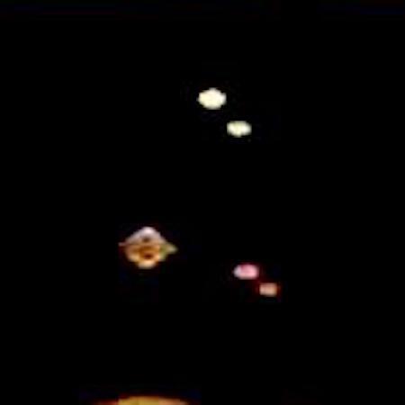 在這張較暗的照片中仍然出現了不可思議的幾個閃亮發光圓球體2.jpg