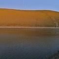 嘉明湖畔奇異的光柱.jpg