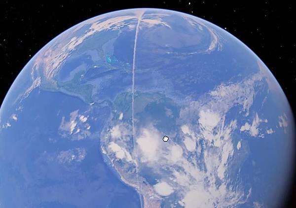 Google Earth拍到跨越地球13000英里的神秘白線1.jpg