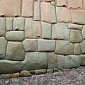 秘魯庫斯科省的印加羅卡宮石牆.jpg
