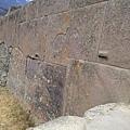 奧揚泰坦博的石塊,它們似乎是融在一起的.jpg