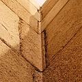 寺廟內部的石頭看起來好像被建造者「彎曲」了.png