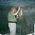 在薩卡拉塞拉比尤姆地下光滑如玻璃石盒精確切割重達100噸.jpg
