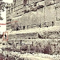 巴勒貝克的石塊非常龐大.jpg