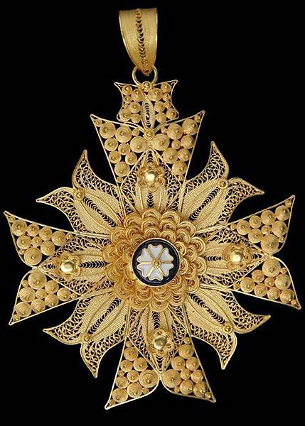 聖哲曼的圖騰就是馬耳他十字架2.jpg