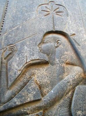 塞絲哈特(又叫做塞莎或塞莎特)是閱讀、寫作、算術和建築領域的女神.jpg