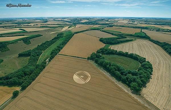 2018-7-23 英國威爾特郡的「開門」麥田圈3.jpg