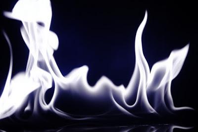 觀想白色合一火焰包圍全地球、地球的大氣層和外太空.jpg