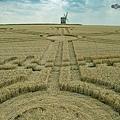2018-7-26 英國華威郡「轉動的風車」麥田圈7.jpg