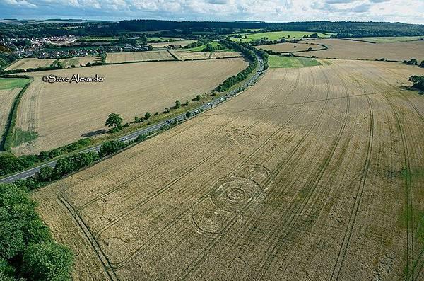 【麥田圈】2018-8-14 英國威爾特郡的麥田圈1.jpg