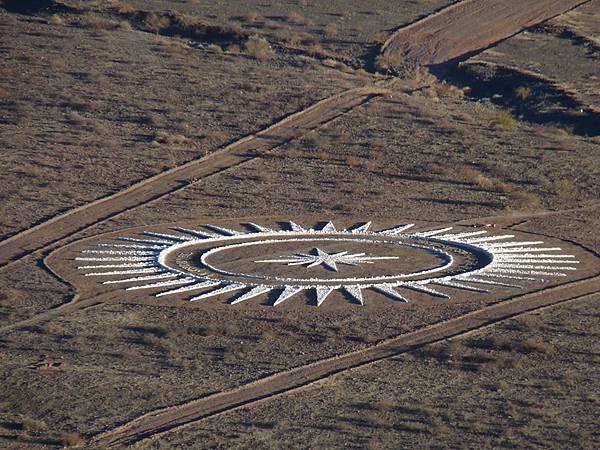 Werner Jaisli在阿根廷北部的沙漠區建造了一座專供UFO起降之用的機場2.jpg