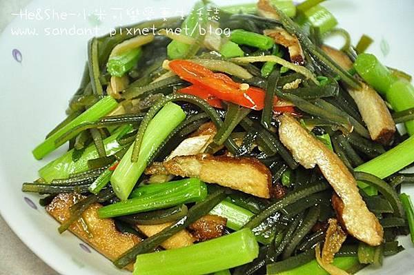 芹菜豆干炒海帶絲