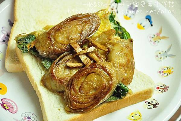 麵腸九層塔蛋三明治