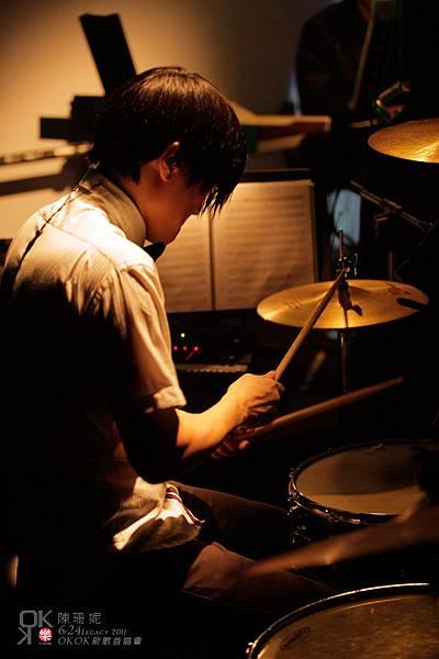 Peter的鼓都非常有感染力啊!超愛他打的鼓