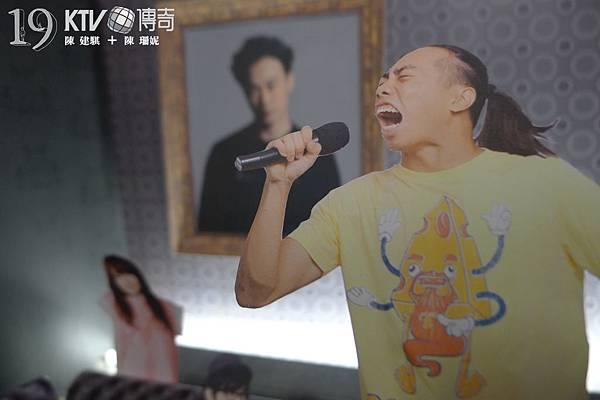 請各位到KTV務必要試一試與朋友一起唱KTV傳奇!