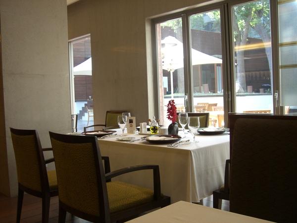 義大利餐廳室內用餐區