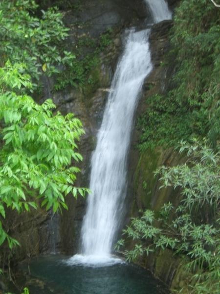 知本森林遊樂區內的瀑布,有時候可以看到兩道瀑布,今天只有一道