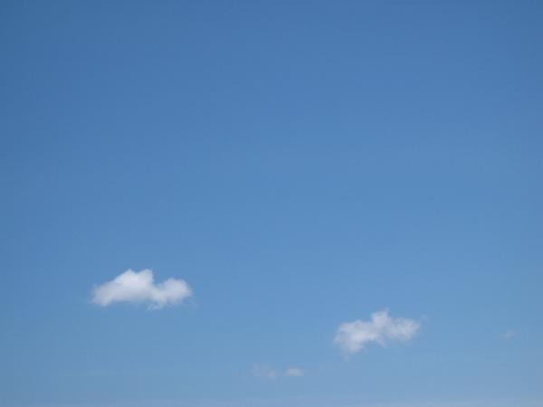兩片雲的天空.jpg