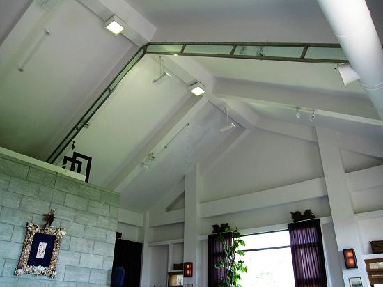 達文士餐廳內也是挑高建築,好像是以前的活動中心改建的