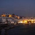 在 Temple of Apollo 上往回看 Naxos 夜景
