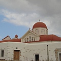 好久沒看到是紅頂的教堂耶