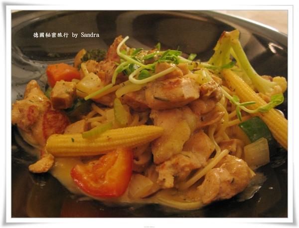 不萊梅黃芥末雞肉麵.jpg