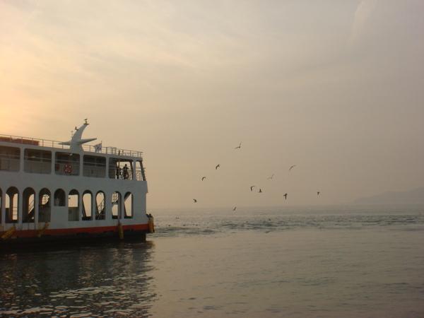 981202-4海鷗船 (5).JPG