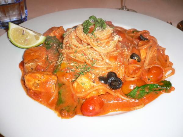 鮭魚番茄義大利麵