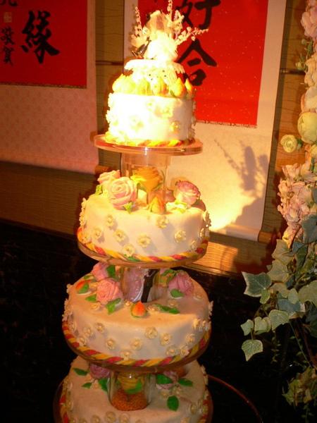 蛋糕...假的...