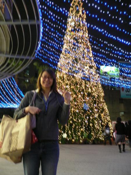 板橋購物中心的超大聖誕樹