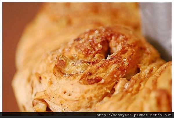 05肉桂核桃麵包.jpg