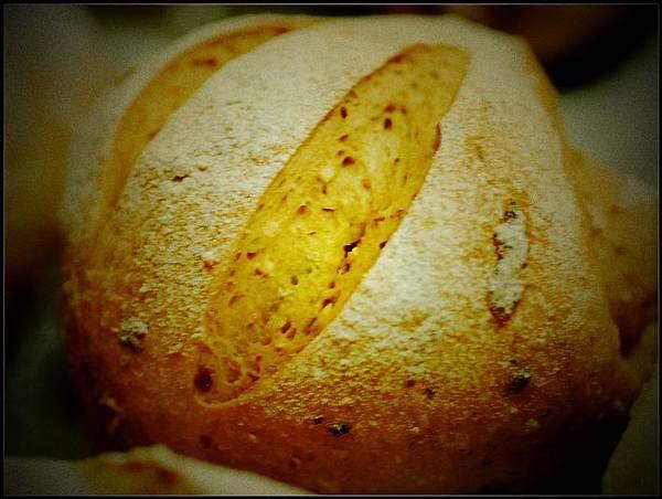 06黑糖雜糧小麵包.jpg