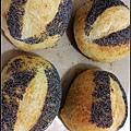 07罌粟籽麵包.jpg