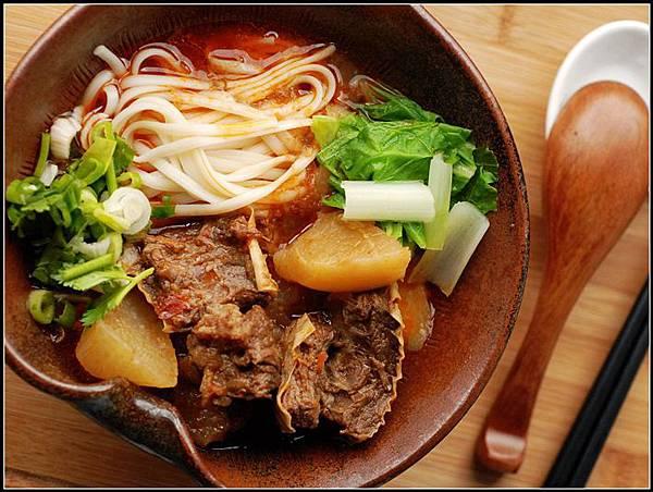 06紅燒牛肉麵.jpg