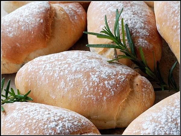 06迷迭香麵包.jpg
