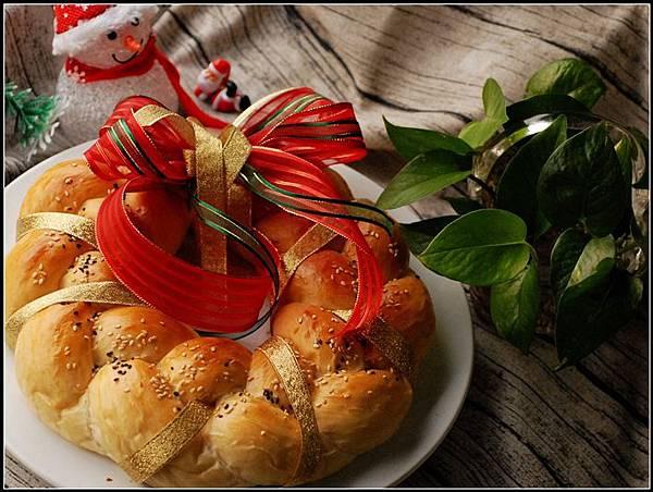 00聖誕花圈麵包.jpg